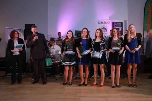 Starší žačky TJ Delfín Náchod - kategorie kolektivy mládeže